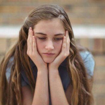 reflexionar sobre las causas de la infelicidad